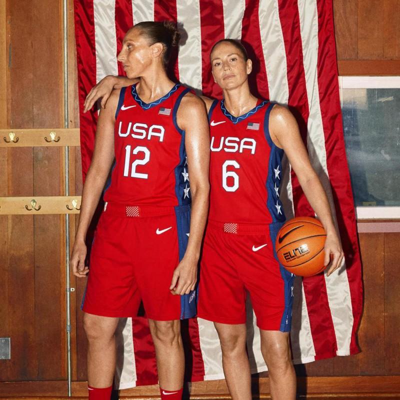 media/image/swoosh-olympics-nike-jersey-tokyo-basketball-woman-usa-uniform-official-red.jpg
